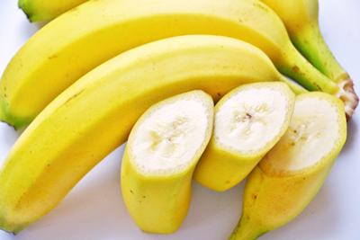 バナナなどの補給食でエネルギー摂取