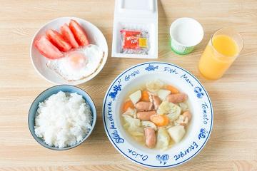 サッカー選手の朝食メニュー(具だくさんコンソメスープ献立)