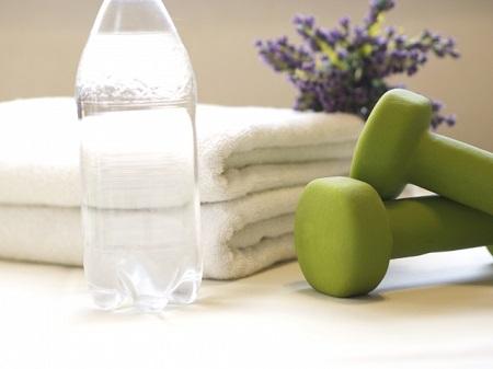 運動中や運動後の水分補給を忘れずに