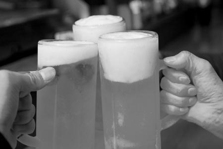 お酒の飲み過ぎに注意