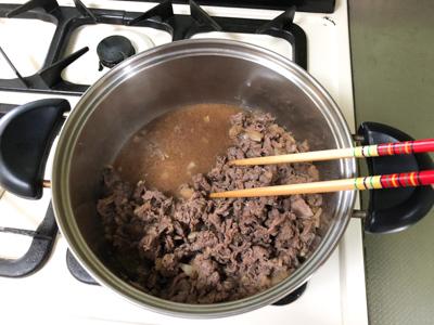 煮込んだ肉